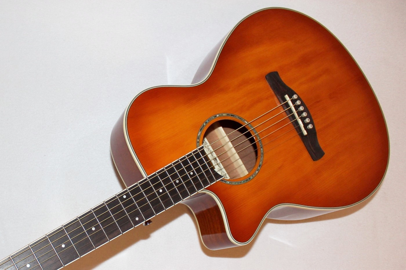 ibanez aeg18lii cutaway left handed acoustic electric guitar ebay. Black Bedroom Furniture Sets. Home Design Ideas