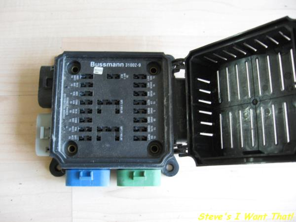 freightliner bussmann small relay amp fuse box panel 31002 9 please see photos questions welcome thanks for looking
