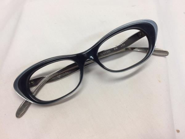 eye glasses on line  stock cat eye