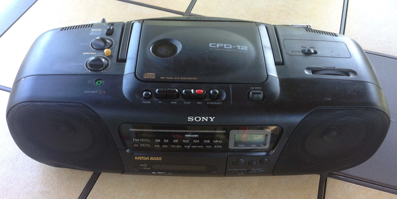 sony cfd 12 boombox cd player am fm radio cassette. Black Bedroom Furniture Sets. Home Design Ideas