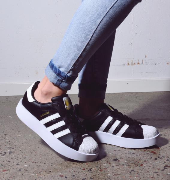 Adidas Superstar Womens Size 8