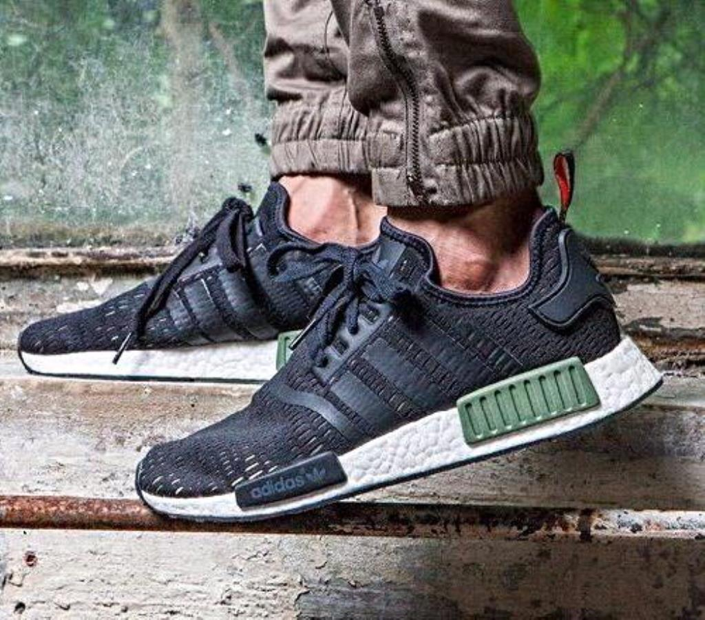 Adidas NMD R1 Champs exclusive (Black): Shoes