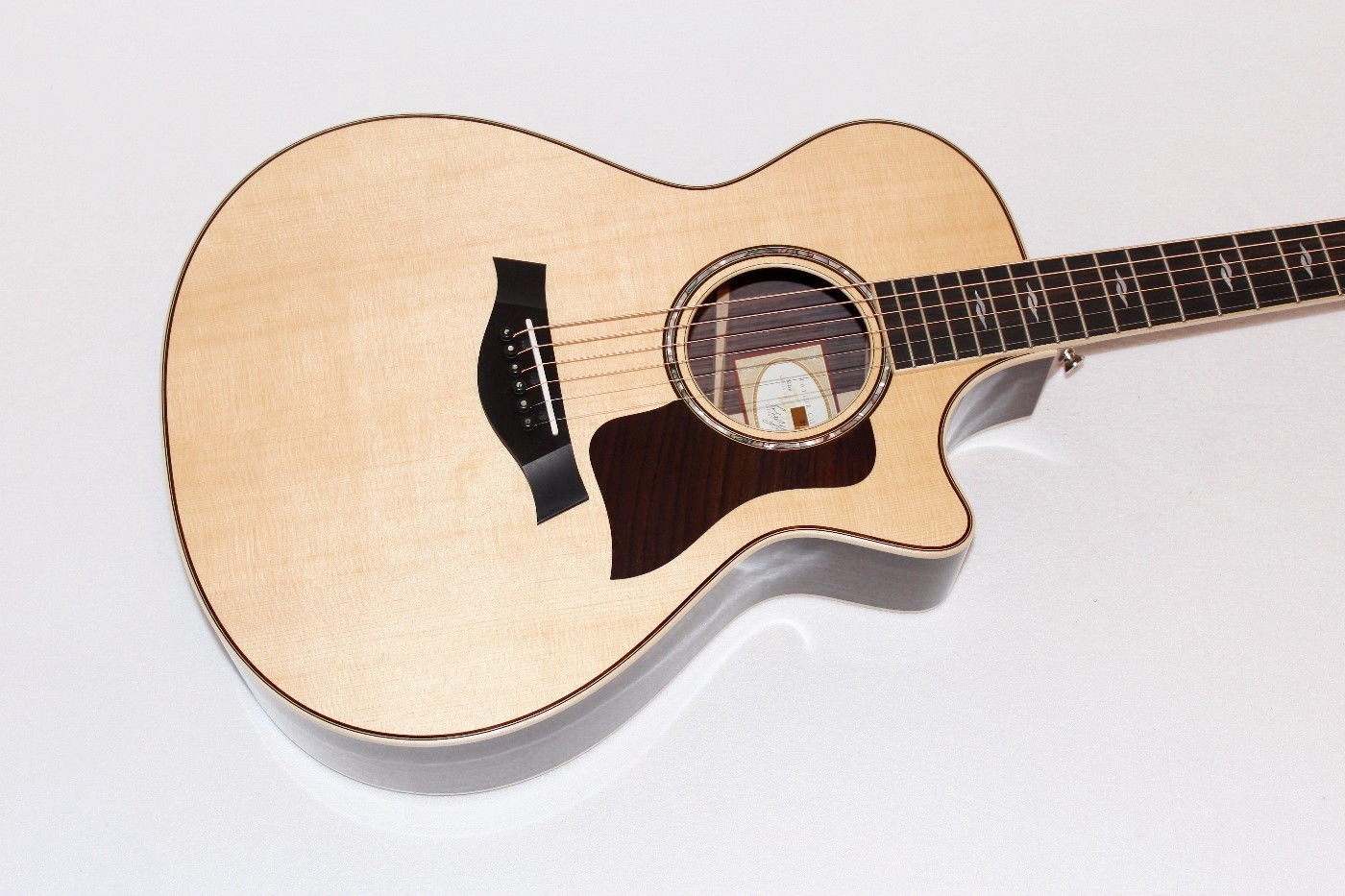taylor 812ce usa made solid rosewood acoustic electric guitar w case. Black Bedroom Furniture Sets. Home Design Ideas