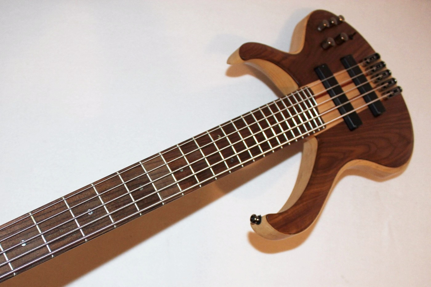 ibanez btb675 5 string electric bass guitar ebay. Black Bedroom Furniture Sets. Home Design Ideas