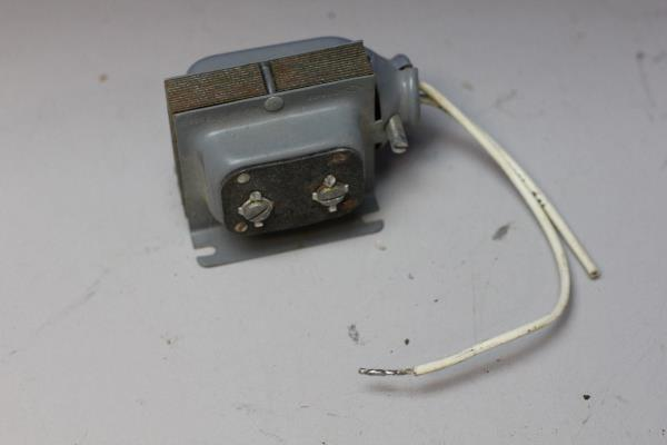 NEW Edwards Chime TRANSFORMER 16 Volt 10 Watts 992 Mounts Anywhere Quickly NOS