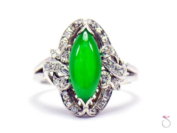jade gold and vintage ring cluster in diamond