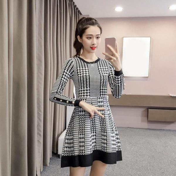 7c73a42678f Sleeve Length(cm)  Full Pattern Type  Plaid Sleeve Style  Regular  Waistline  Natural Neckline  O-Neck Dresses Length  Above Knee