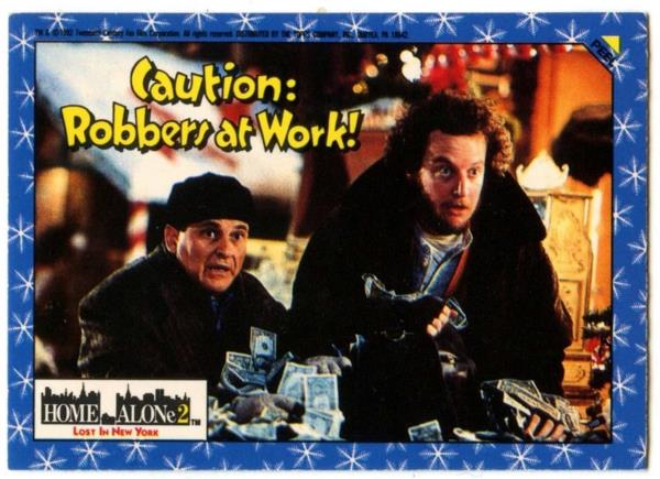 C879 The Mysterious Pigeon Lady Home Alone 2 Topps 1992 Sticker