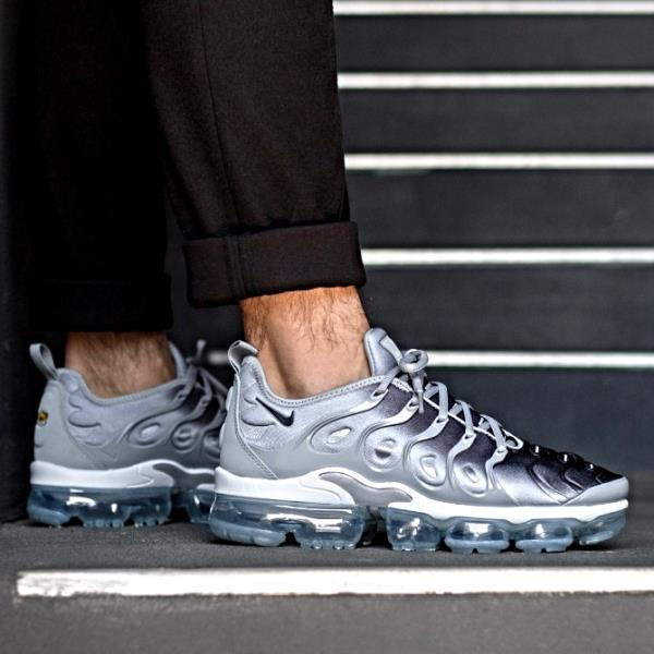 edb7f35685b4f Nike Air Vapor Max Plus Sneakers Wolf Grey Size 8 9 10 11 Mens Shoes ...