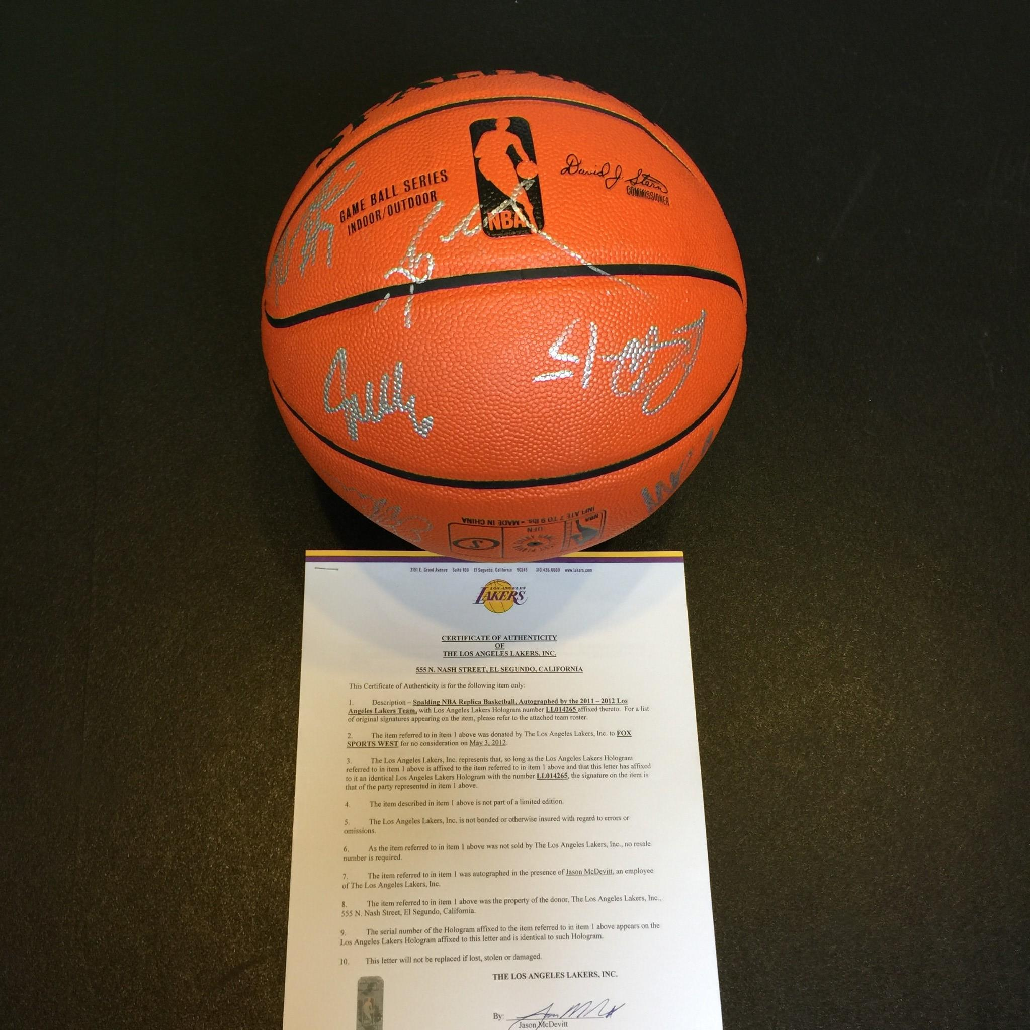 release date f948a 85e55 Details about 2011-12 Los Angeles Lakers Team Signed Basketball Kobe Bryant  With Lakers COA
