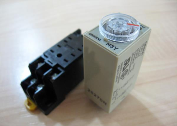 Details about Omron Delay-On Timer Time Relay 0.5~10min 2-Pole 12VDC on