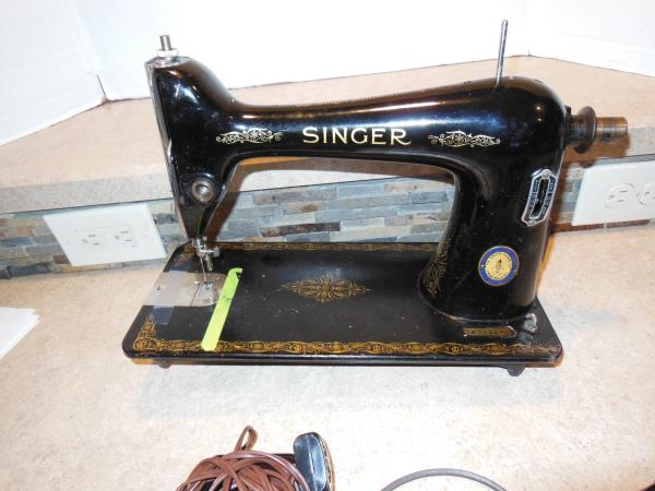 40 Vintage Singer Sewing Machine As Is For Parts EBay Cool Antique Singer Sewing Machine Parts Ebay