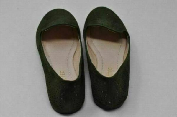 7f7500b3c Womens RESTRICTED-Glee Green and Silver Flats Mocs Shoe Loafers size 6.5  (4345). MAY HAVE BEEN TRIED ON BUT NEVER WORN
