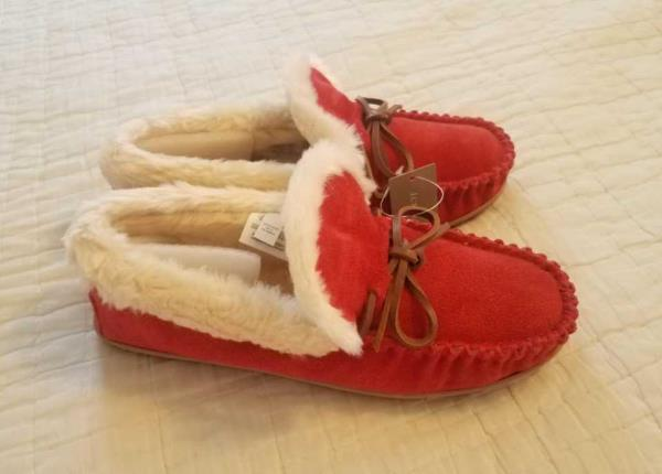 61409b60ae8 Details about WOMENS 6 8 9 10 11 J CREW BRIGHT RED SUEDE LODGE MOCCASINS  SLIPPERS SLIP ON SHOE