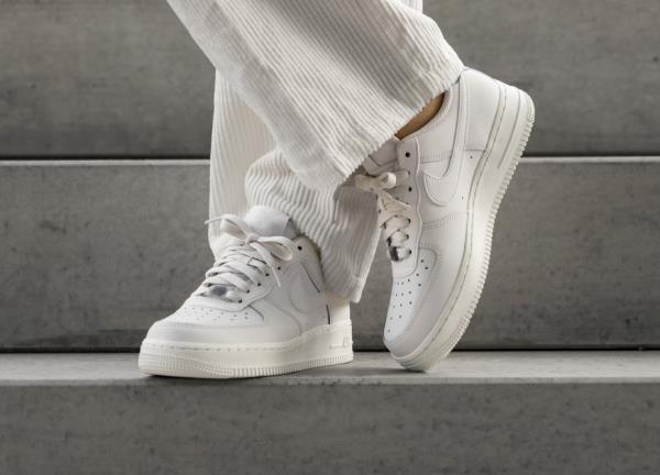 best website b0426 3ad24 Nike Air Force 1 07 ESS White Size 6 7 8 9 Womens Shoes AO2132-003. Nike