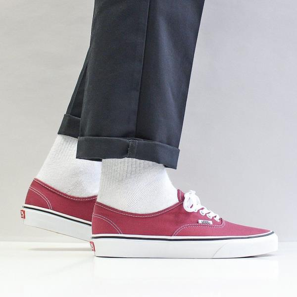 15e3909fe4f7 Vans Men s Classic Authentic Canvas Shoes Dry Rose Red True White