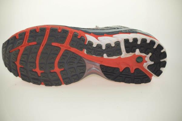 9444e994842 ... All-synthetic construction makes the Brooks Ghost 5 shoes vegan friendly