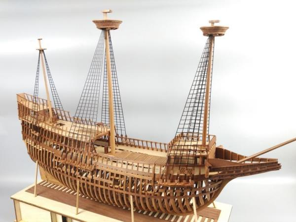 Caravel Cross Section