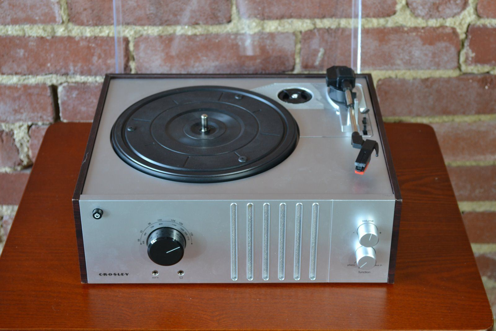 New Crosley MAHOGANY 3-Speed Record Player Turntable CR6017A-MA Radio AM//FM
