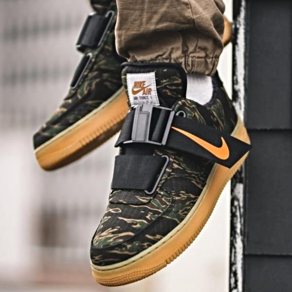 8d5553d5ae81 Details about Nike Air Force 1 Low X Carhartt WIP Camo Size 7 8 9 10 11 12  Mens AV4112-300