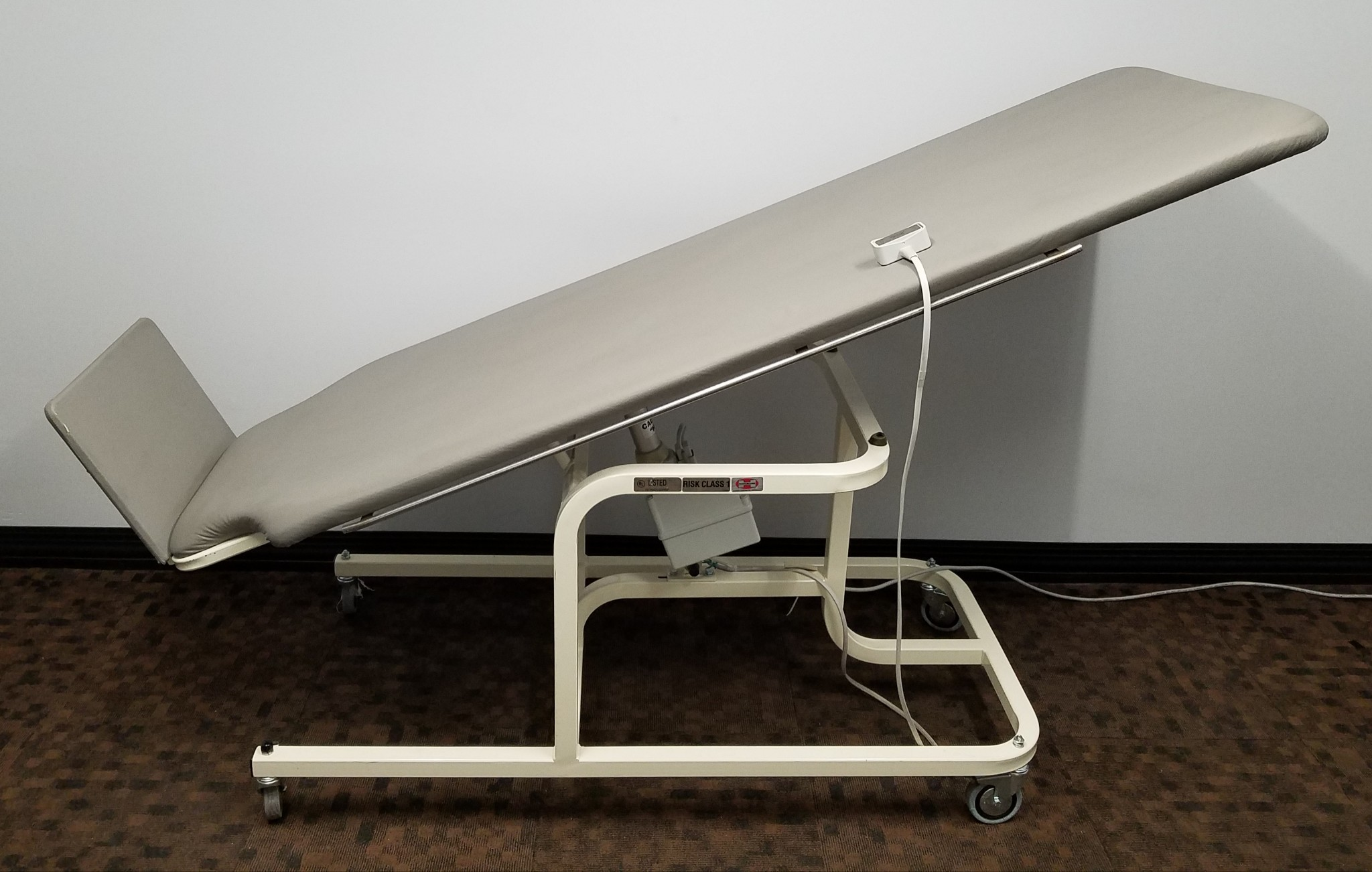 Remarkable Midland 7195E Electric Tilt Exam Table With Pneumatic Control Home Interior And Landscaping Ferensignezvosmurscom