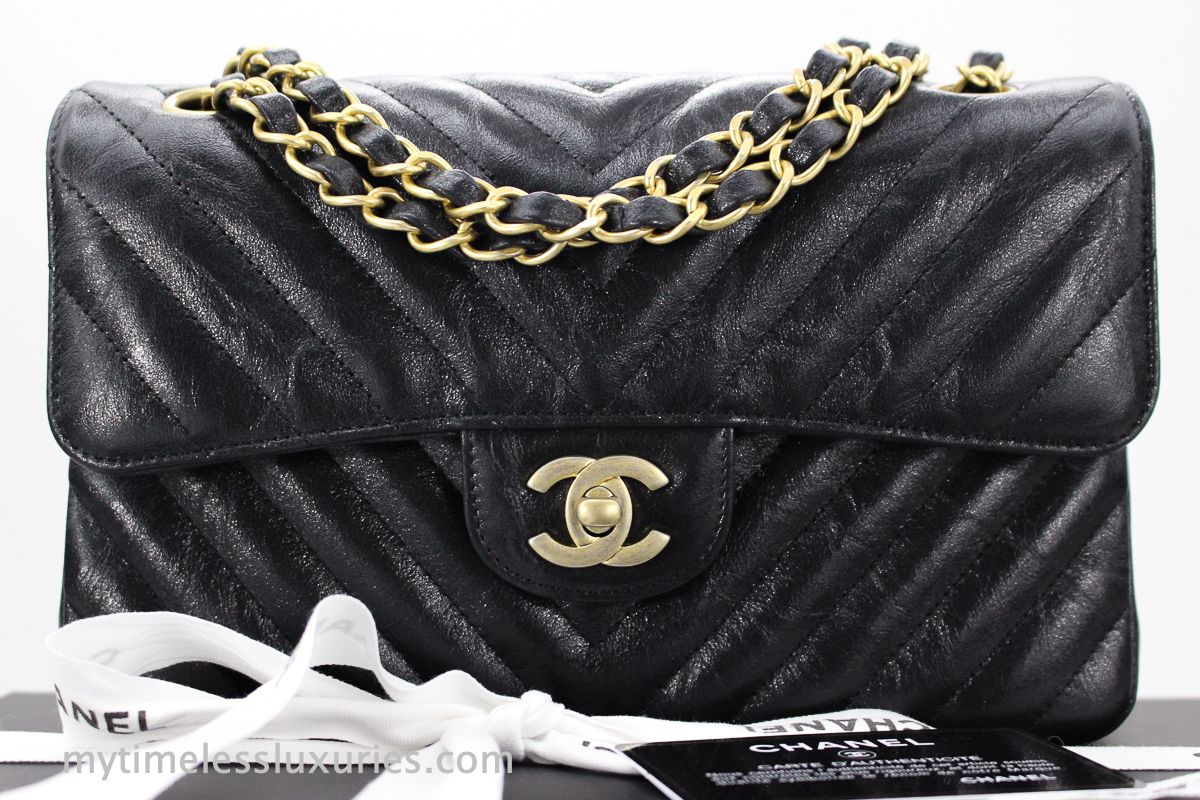 a4cdc562e405f7 NEW CHANEL 18B BLACK CHEVRON IRIDESCENT CALF SMALL CLASSIC FLAP BAG ...