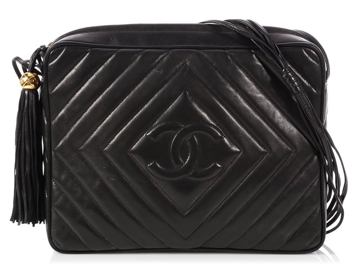 8ebcd2fcd876 CHANEL Vintage Large Black Chevron-Quilted Lambskin Camera Bag Purse ...