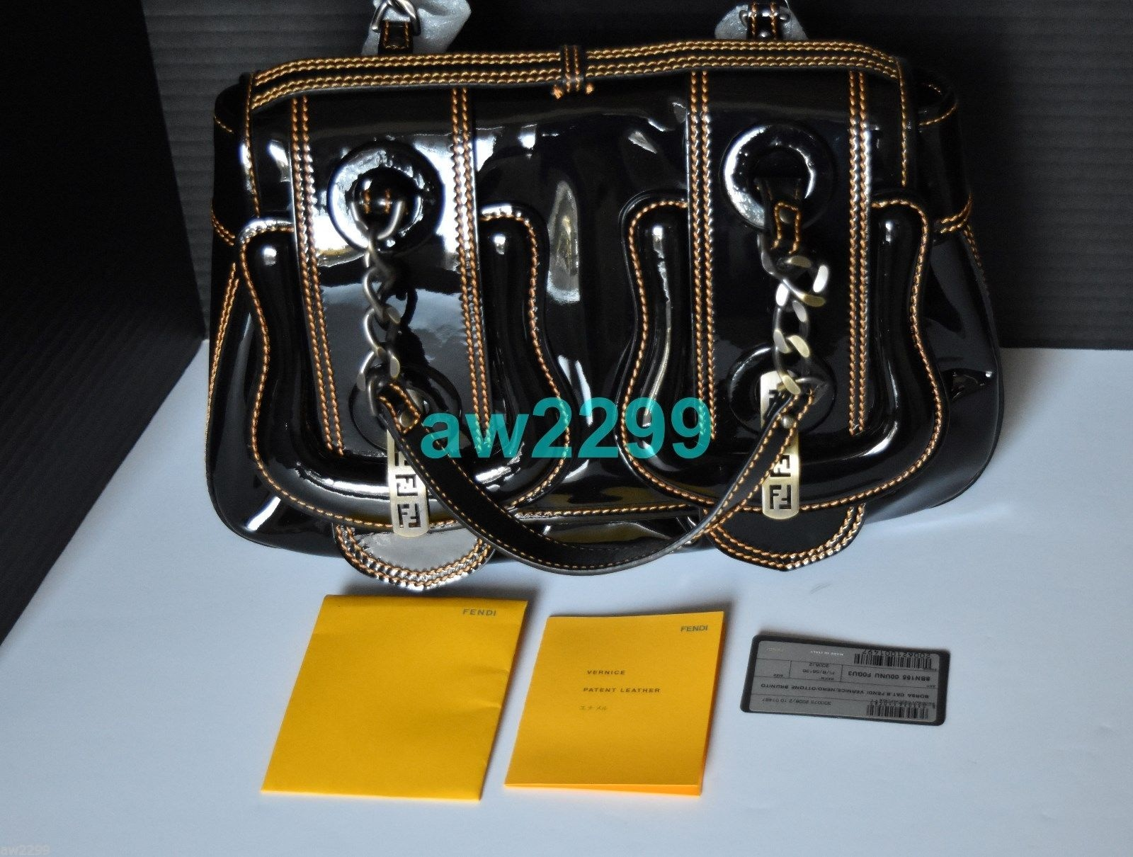 24bd53b99b29 FENDI  1850 AUTHENTIC NEW B BUCKLE PATENT LEATHER BAG WITH CONTRAST ...