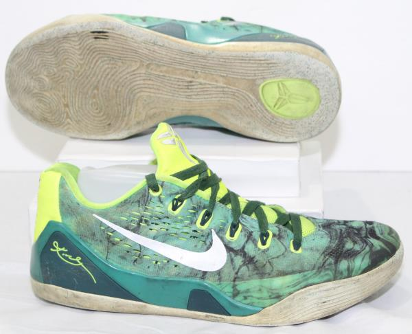a3a77be2aabe Nike Kobe Bryant IX 9 EM Easter Mens Low Top Shoes 646701-300 Turbo ...