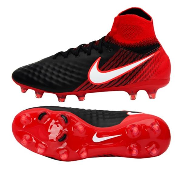 Nike Soccer Shoes feature Lightweight, strategically placed mesh enhances airflow for optimal comfort and breathability.