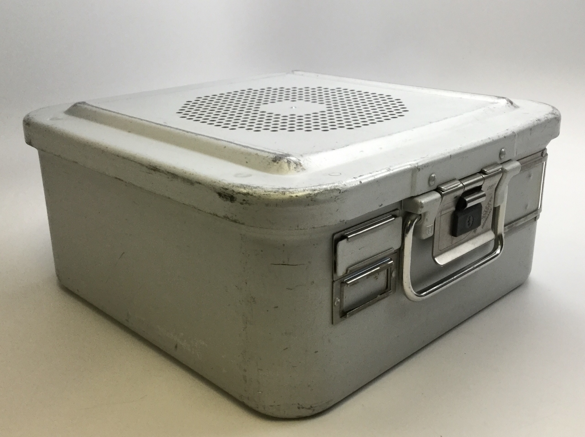 Aesculap TE673 DBGM Surgical Sterilization Container 11 x 11