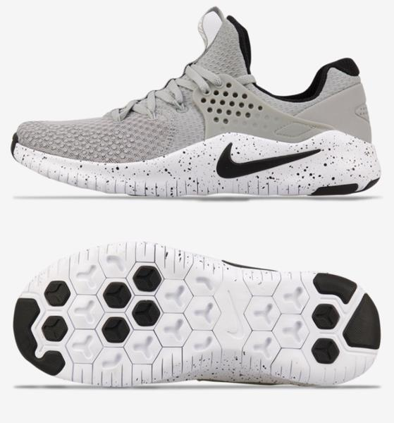 Nike Sneakers feature Lightweight, strategically placed mesh enhances airflow for optimal comfort and breathability.