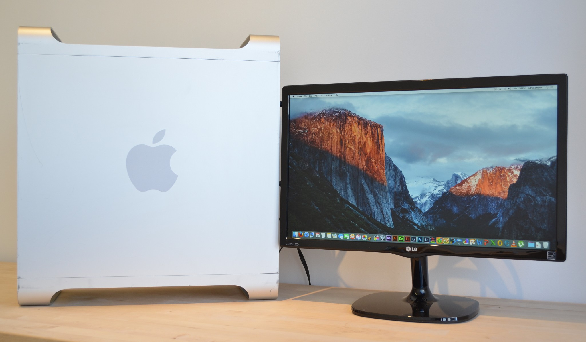 Details about Apple Mac Pro - 6 Core 3 3GHz - 2TB - 32GB RAM - 1 Year Wty   - MacOS High Sierra