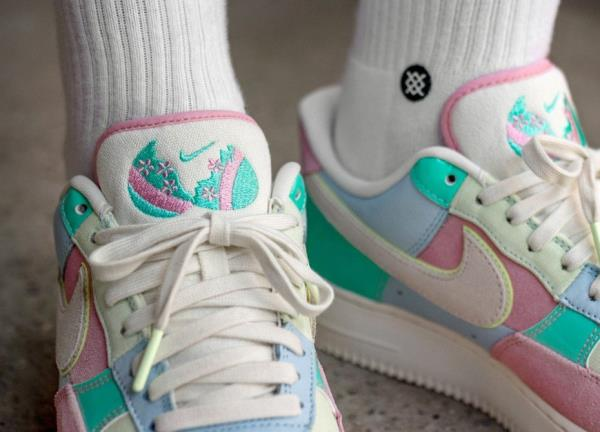 9f99d76c1885 Nike Air Force 1  07 QS Easter Pack Sneakers 18 Ice Blue Size 8 9 10 ...