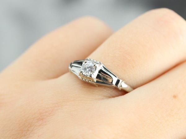 Late Art Deco Diamond Solitaire Engagement Ring 専門通販店激安