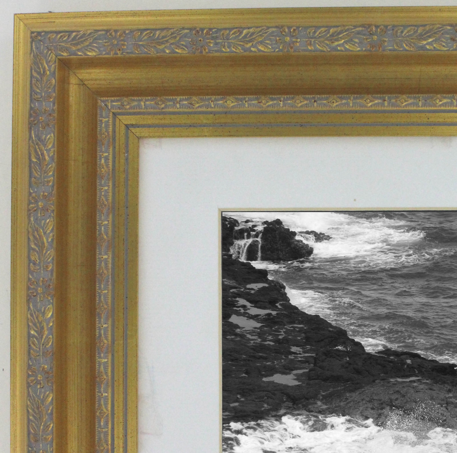 Ornate 2 Gold Wood 8x10 Wall Picture Frame White Mat 5x7 Opening