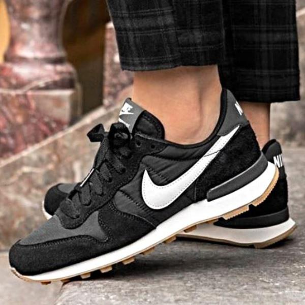 buy popular 9a578 b6333 Details about Nike Internationalist Sneakers Black Size 6 7 8 9 Womens  Shoes New