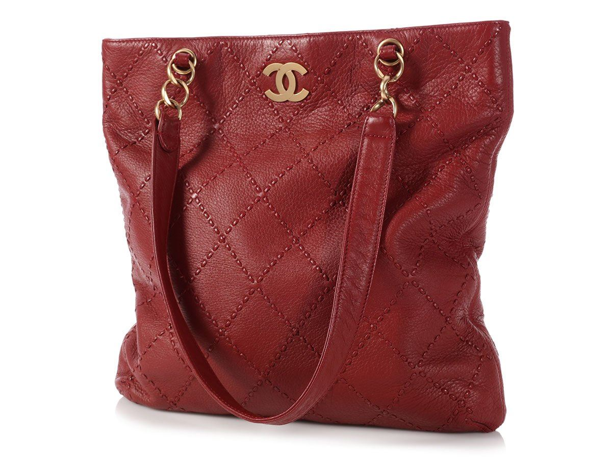 feff33bf0d11 CHANEL Red Quilted Soft Caviar Slim Tote Bag Purse ~ Tall   slouchy ...