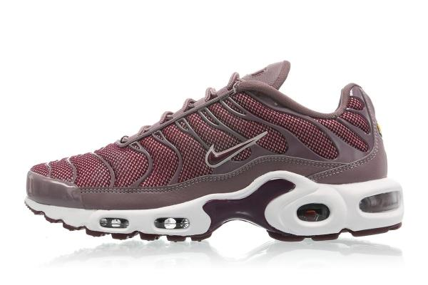 NIKE WMNS AIR MAX PLUS Silt Red Size 5 6 7 8 9 10 Womens Shoes 605112-200 2d85c306b