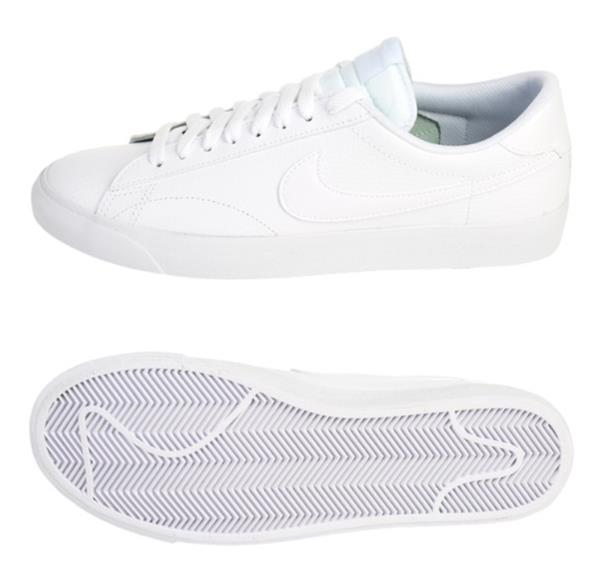 huge selection of b87ce 08514 Nike Sneakers feature Lightweight, strategically placed mesh enhances  airflow for optimal comfort and breathability. Size Charts