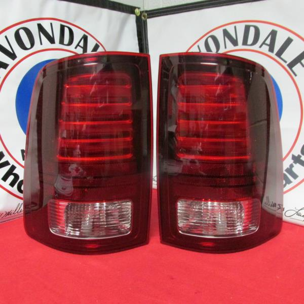 DODGE RAM 1500 2500 3500 RIGHT REAR TAIL LAMP LIGHT TAILLAMP TAILLIGHT MOPAR OEM