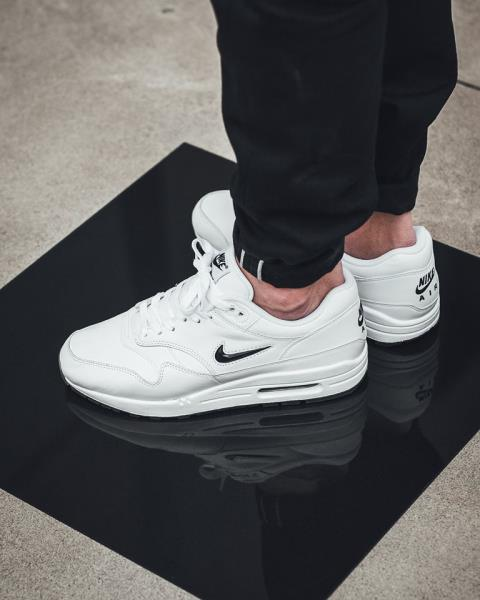 nike air max 1 jewel black diamond nz